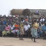 Concentración del pueblo por la fiesta vudu