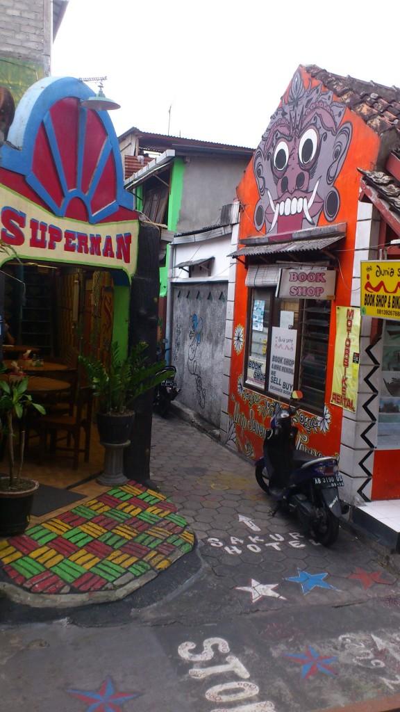 Callejuelas alrededor de Jl S