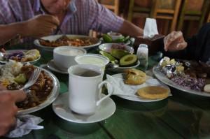 comida típica colombiana (plato paisa)
