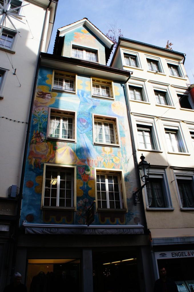 Edificios decorados con pintura