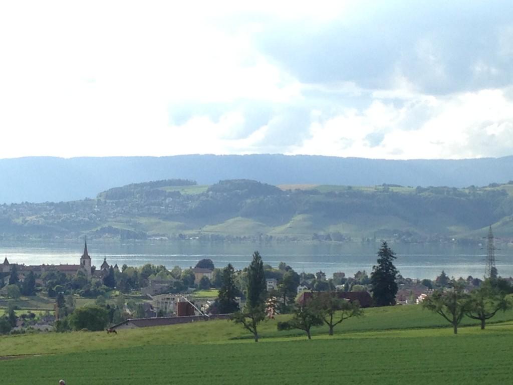 Vistas desde el festival medieval de Murten