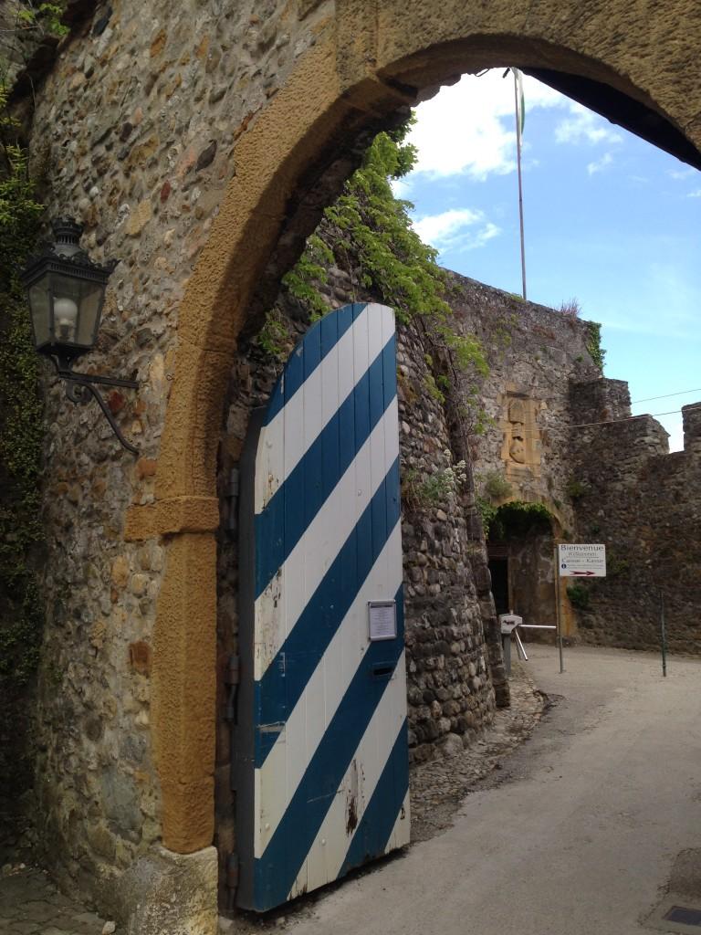 La entrada al castillo de Grandson