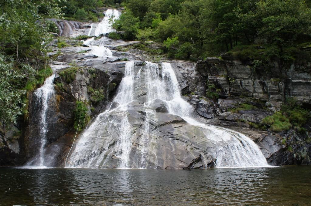 Incontables cascadas por la región