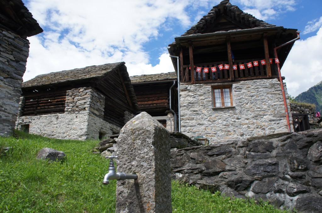 La aldea donde conocimos a la abuelita
