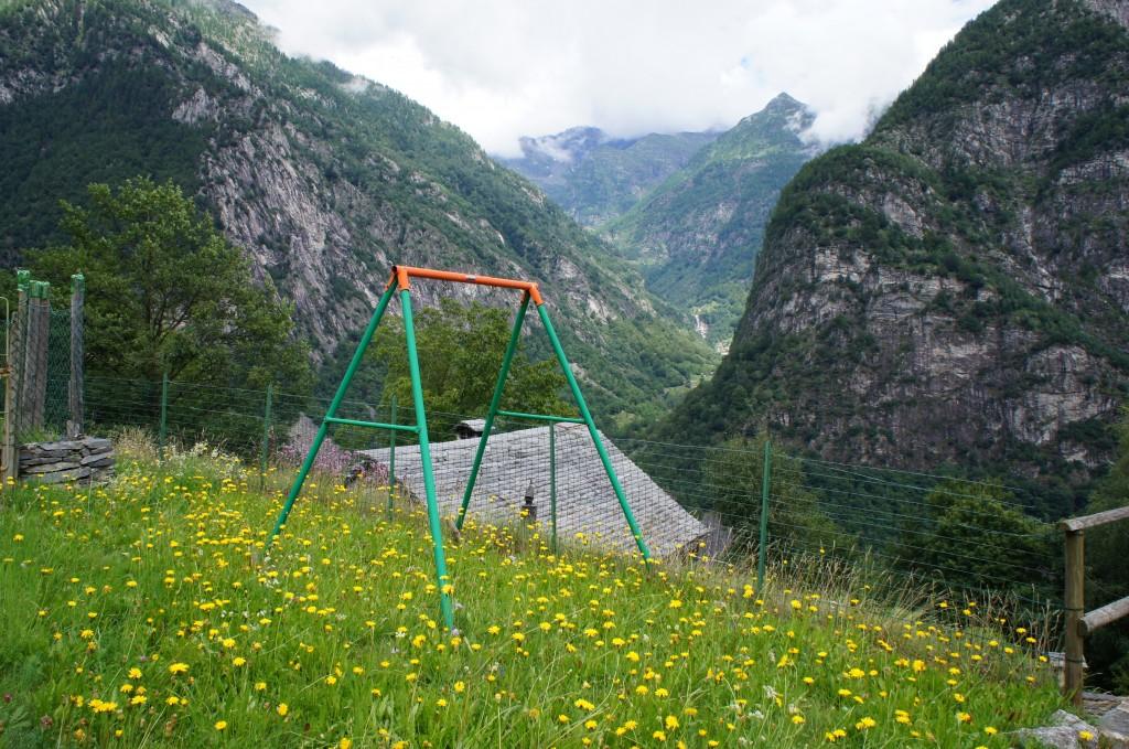 El parque para los peques de una de las aldeas de montaña. Me encantó :)