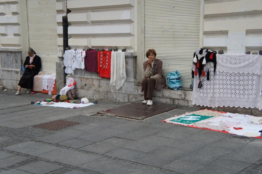 Venta callejera en la zona de Knez Mihailova