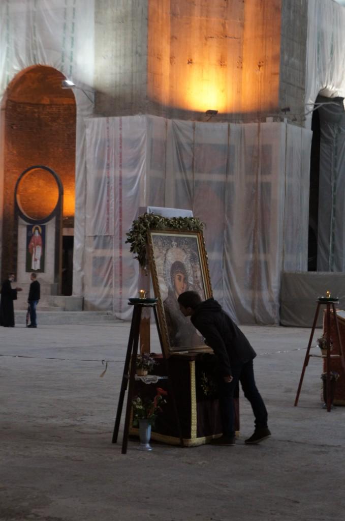 Interior del templo de Sava, aún en construcción