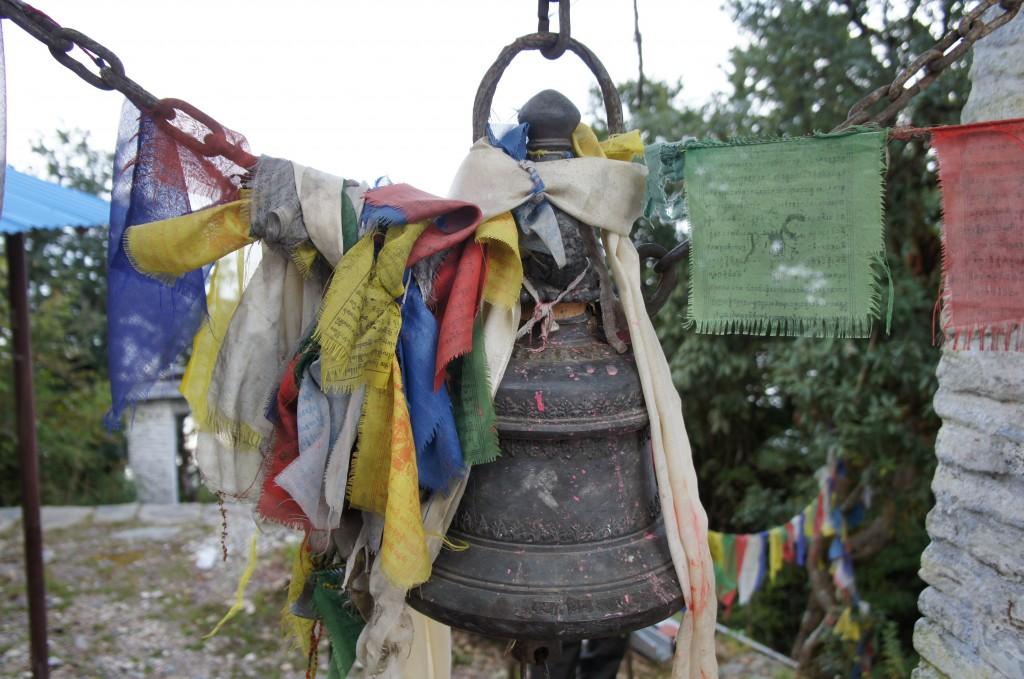 Templos que encontramos en la cima del Panchasee Hill. Hay que hacer sonar la campana para avisar a los dioses que has llegado