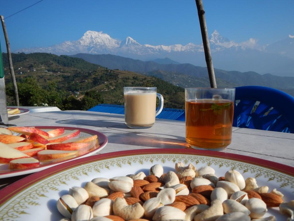 Desayunos durante el camino a nuestra cima. Vistas a los Himalayas