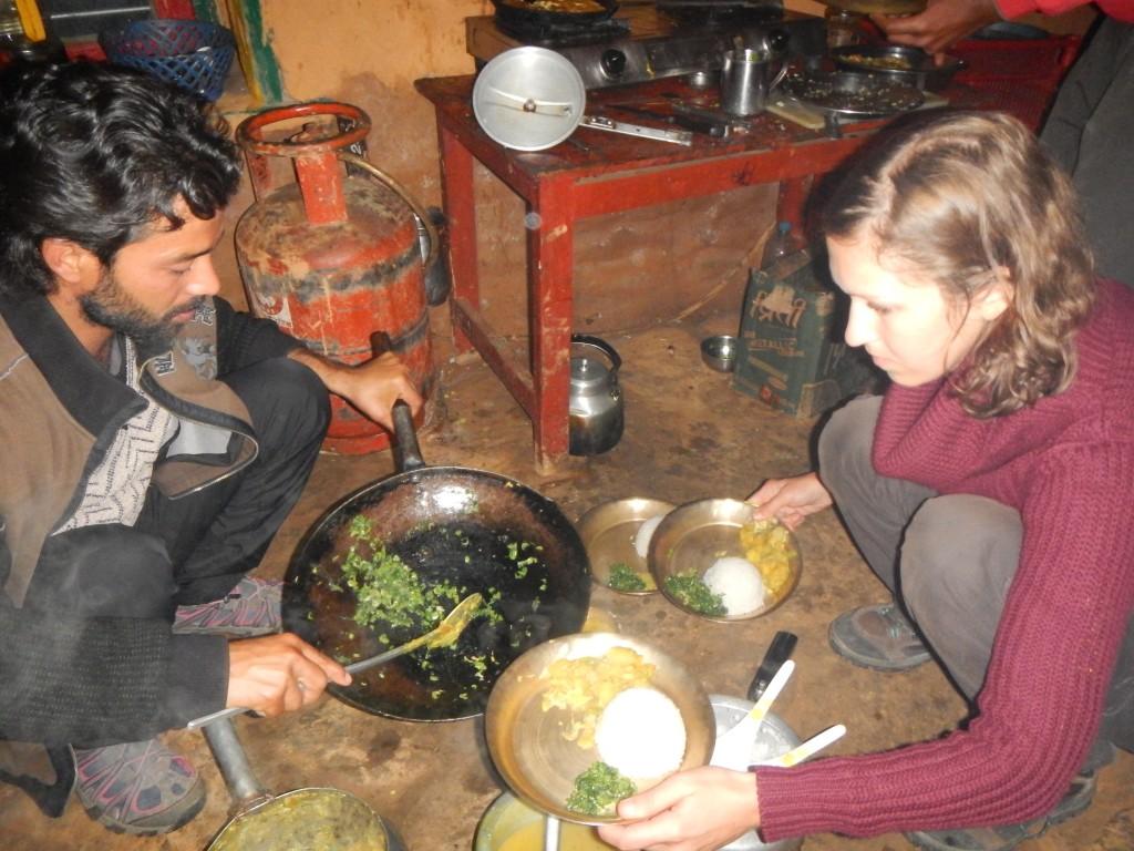 Aprendiendo a cocinar en Nepal comida local