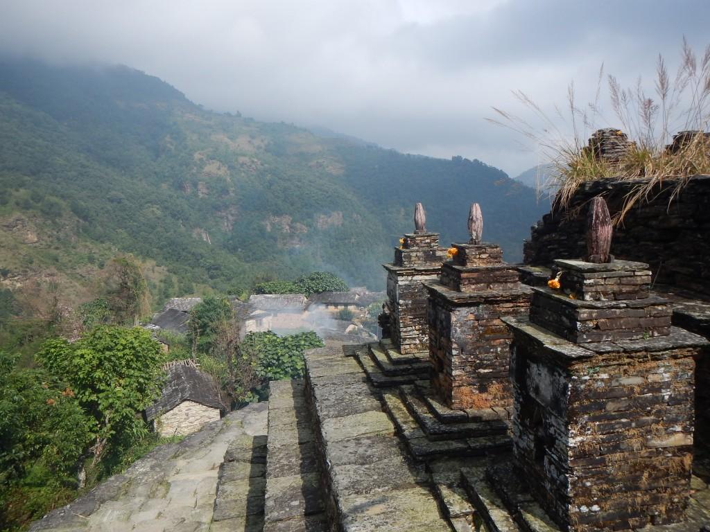 Monumentos que se construyen en honor a los antepasados familiares