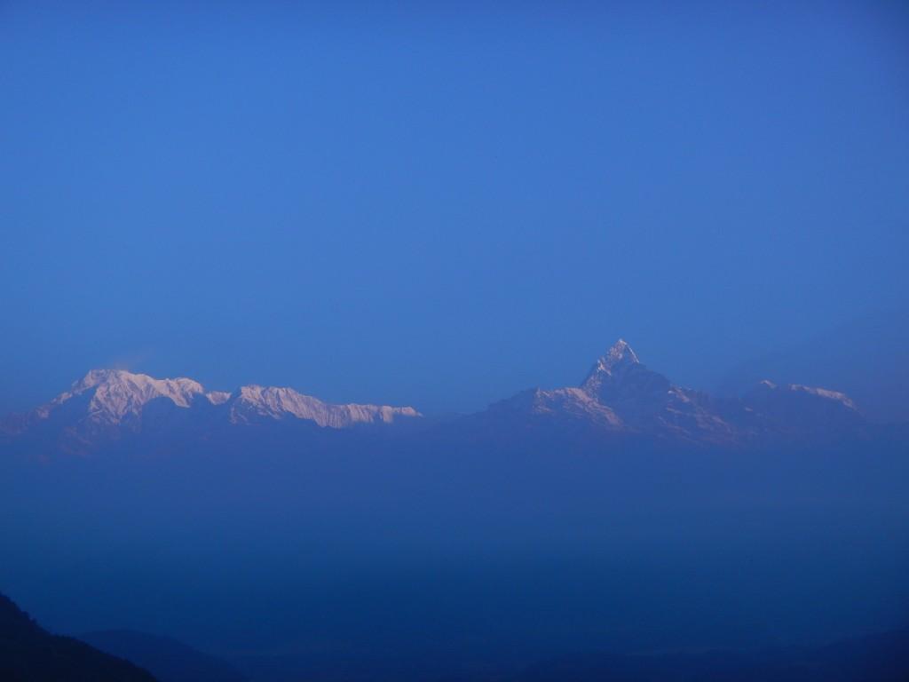 Salida del sol en los Himalayas