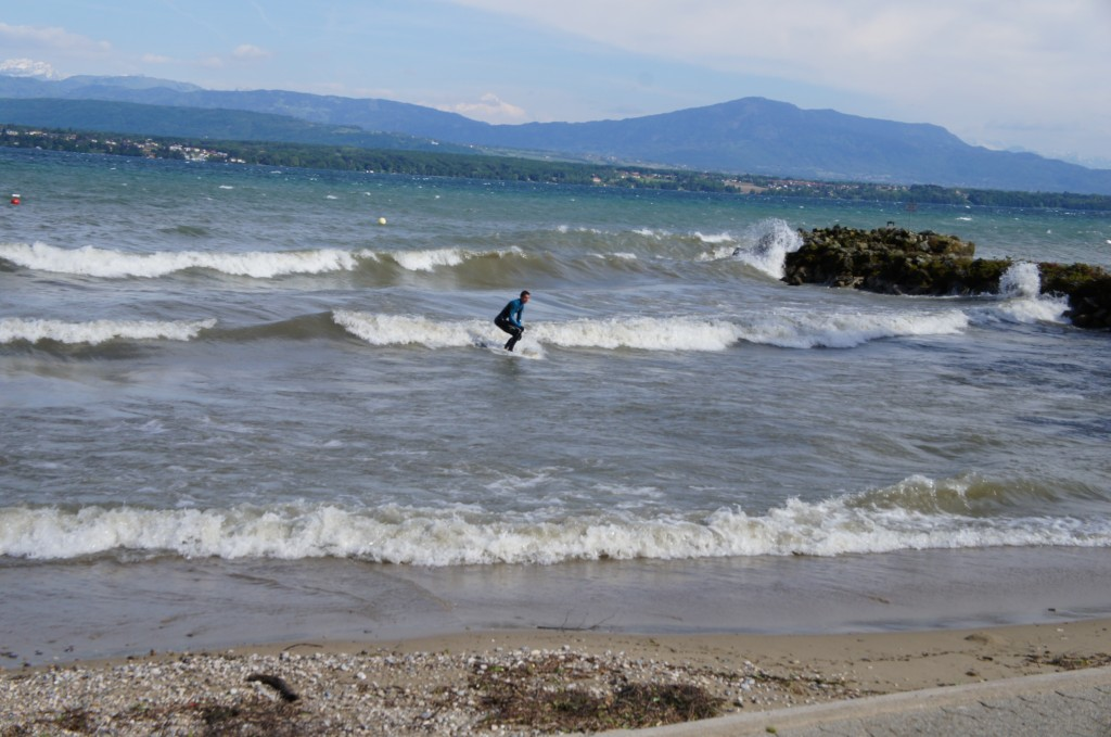 Nyon town main beach... in a windy day ;)